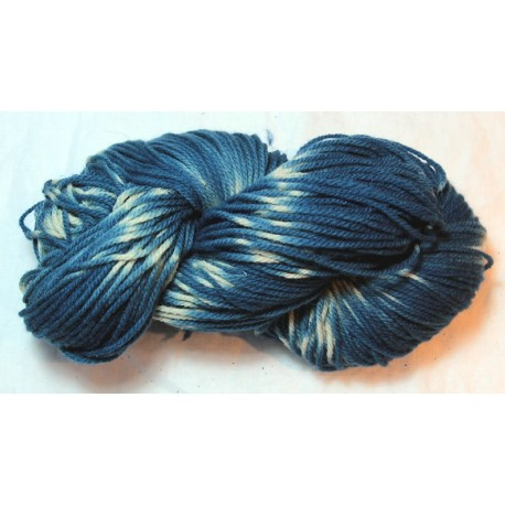 3-ply french wool Fado - Indigo with tie and dye effect