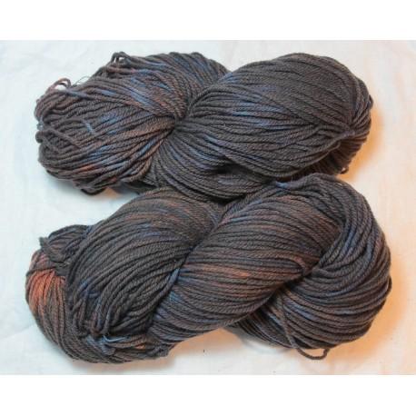 Laine Fado 3 brins - garance + Indigo en fermentation tie and dye