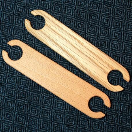 Wood weaving shuttle